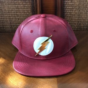 DC COMIC THE FLASH RED HAT SNAP BACK EUC